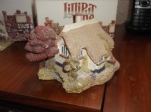 COLLECTABLE LILLIPUT LANE COTTAGE WITH BOX NO DEED BUTTERWICK